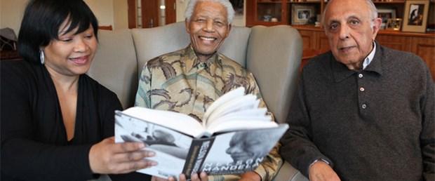 Mandela'dan yeni kitap: Kendimle Söyleşi