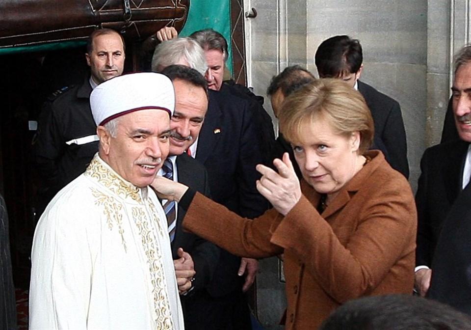 Merkel Ayasofya'da