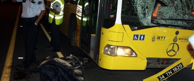 Metrobüs yolunda ölümlü kaza