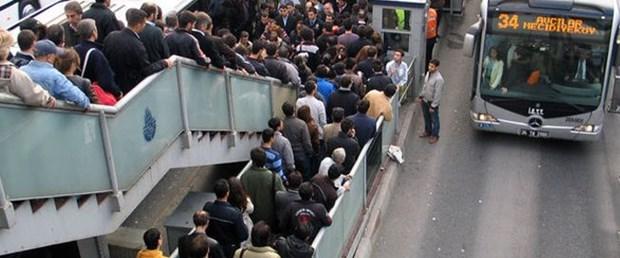metrobuslerde_yeni_donem_h65776_b2df2.jpg