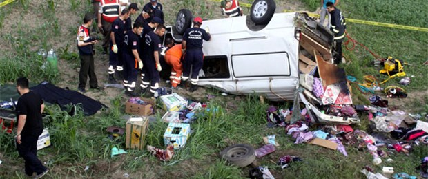 Mezuniyet dönüşü kaza: 2 ölü