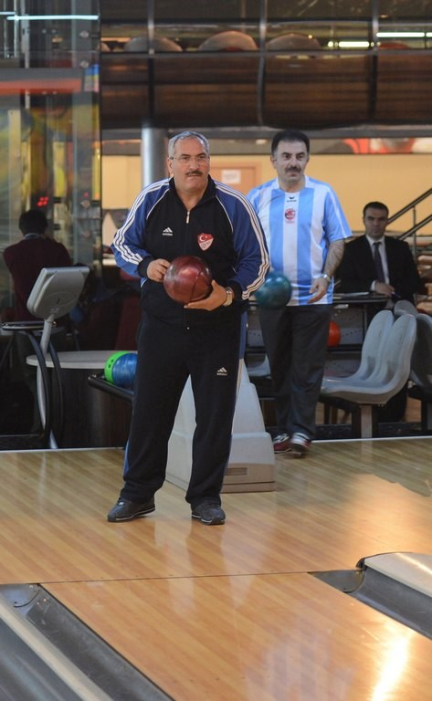 Milletvekillerinin bowling keyfi