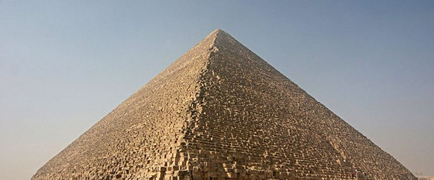 Modern teknoloji piramidi inşa edebilir mi?
