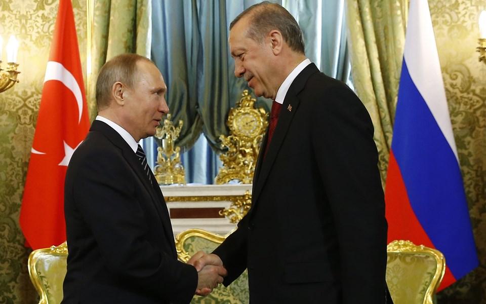 Cumhurbaşkanı Recep Tayyip Erdoğan, Rusya Devlet Başkanı Vladimir Putin'le Kremlin Sarayı'nda bir araya geldi.