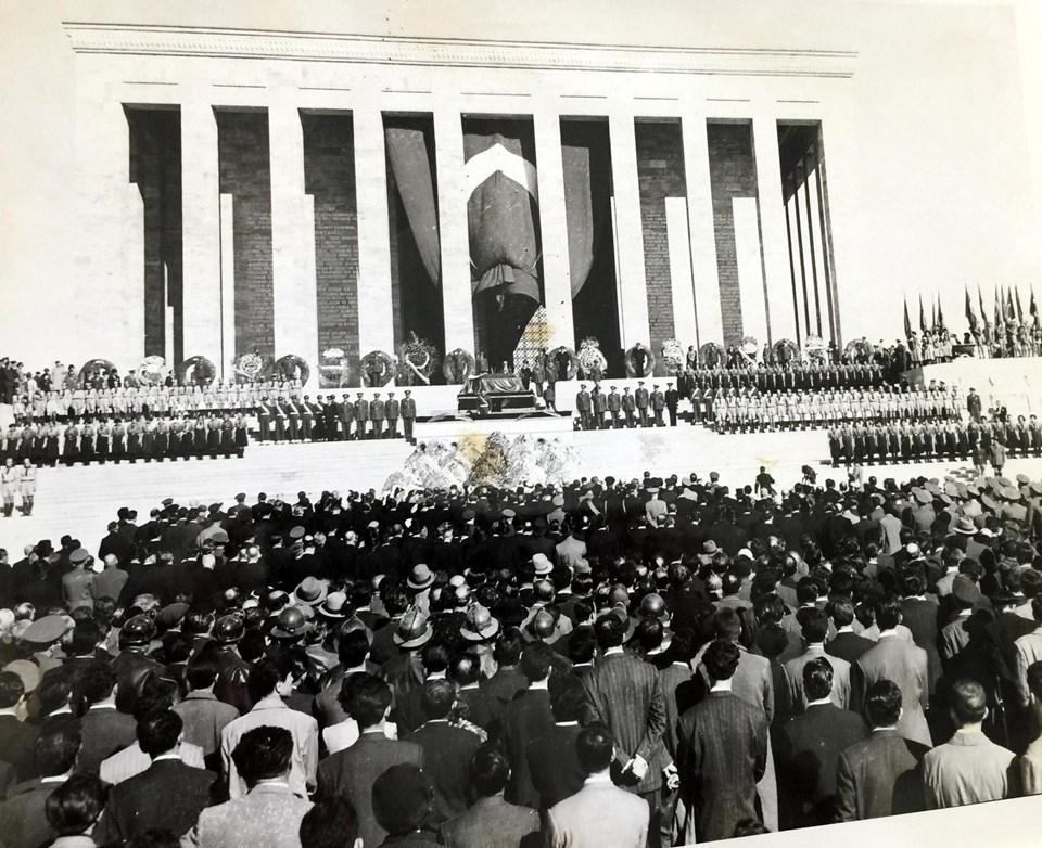 Mustafa Kemal Atatürkün Naaşının Anıtkabire Nakil Fotoğrafları 1