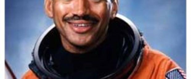Nasa'nın başına siyah astronot
