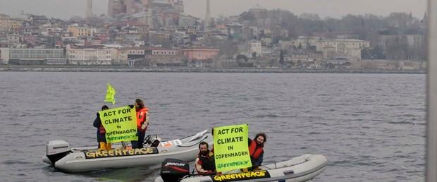 Obama'ya ikinci Greenpeace eylemi