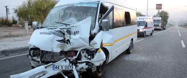 öğrenci servisi kaza.jpg