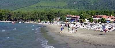 Örnek plaj Akyaka'da