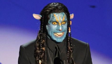 Ben Stiller Avatar'la Navi dilinde konuşarak dalga geçti.