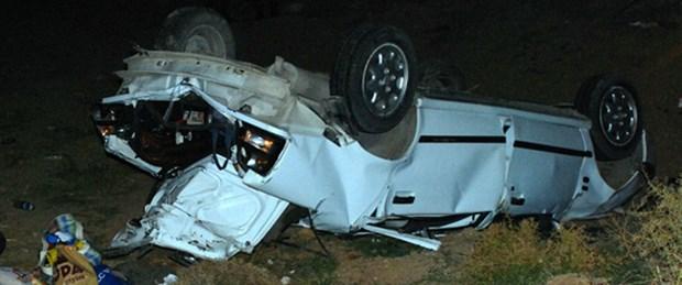 Otomobil şarampole devrildi: 2 ölü