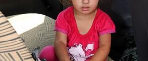 Otomobilde unutulan çocuk ölümden döndü