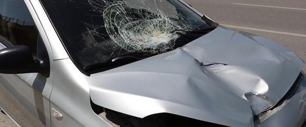 otomobilin-carptigi-13-yasindaki-cocuk-hayatini-kaybetti.jpg