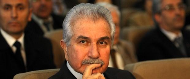 Özbek: İstifa yok, mücadeleye devam