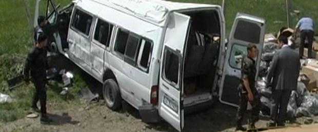 Özel harekat polisleri kaza yaptı: 1 şehit