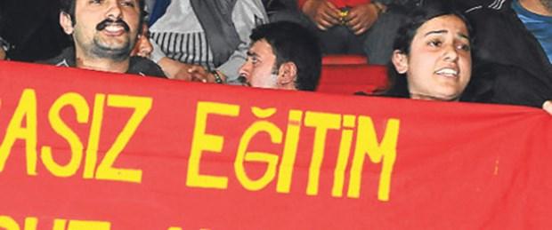 'Parasız eğitim' pankartı 19 ay sonra özgür