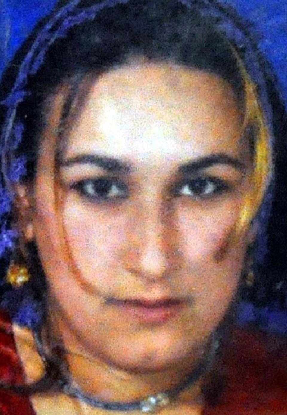Yapılan incelemede Metin Avcı'nın eşini cezaevi kantininden aldığı 3 santimlik bıçakla boğazını keserek öldürdüğü, genç kadının çağrı butonuna basamadığı anlaşıldı