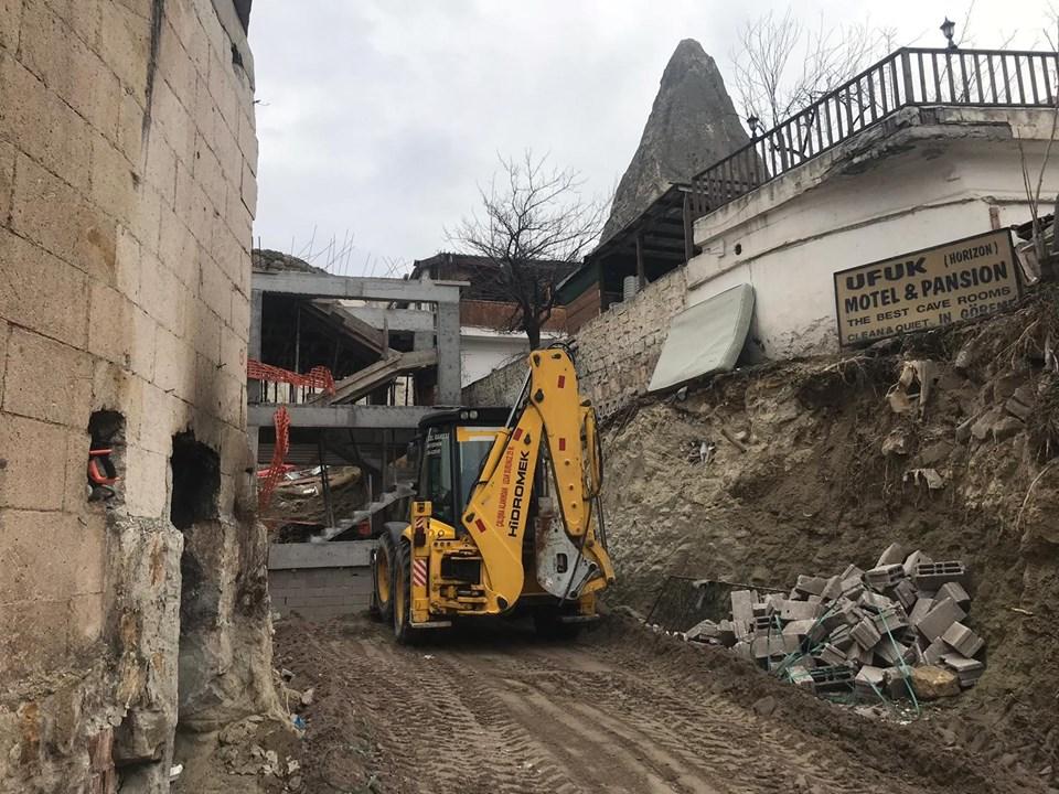 Peribacaları yanındaki otel inşaatının yıkımına başlandı