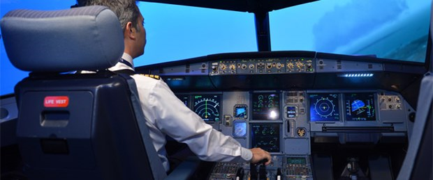 Pilottan kuleye: Tayyare ile göz teması kurduk