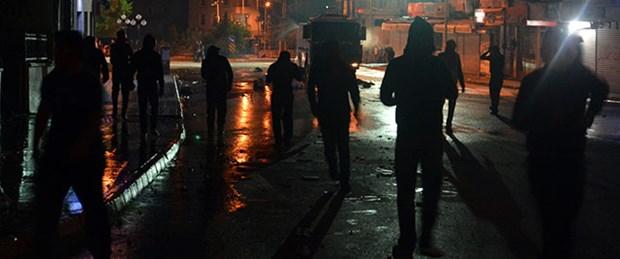 Polis merkezine molotof