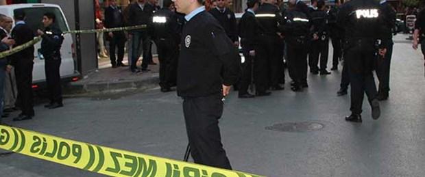 Polise 'satırlı' saldırı