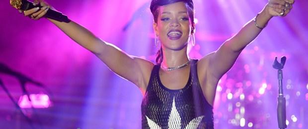 Rihanna İstanbul'a geliyor