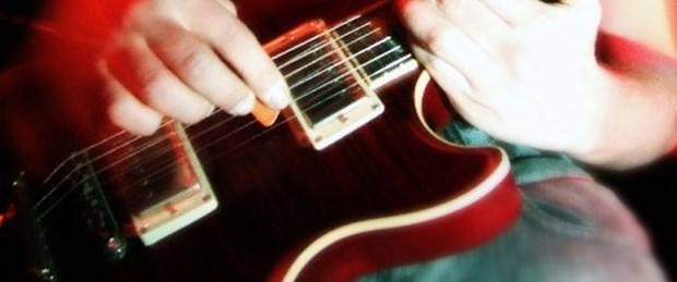 Rock müziğine hayranlık ilk insanlardan geliyor