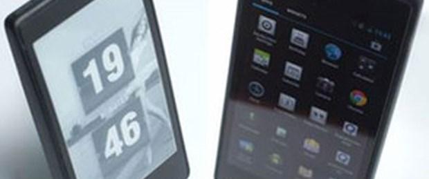Rus şirketten iki ekranlı cep telefonu