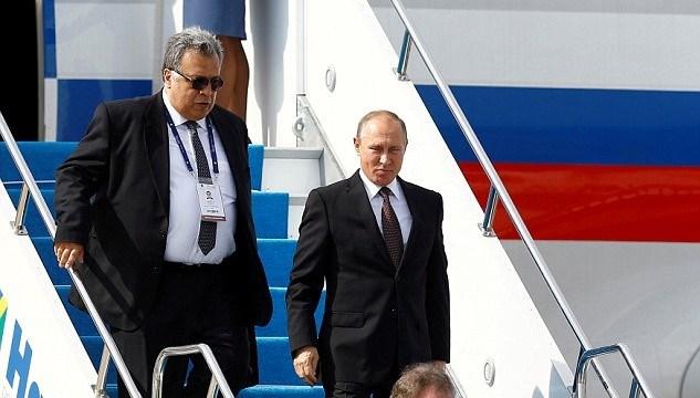 Büyükelçi Andrey Karlov ve Rusya Devlet Başkanı Vladimir Putin