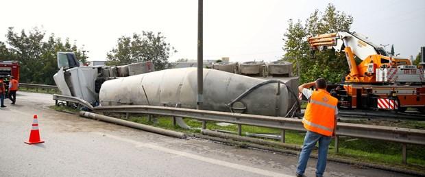 beton tankeri devrildi.jpg
