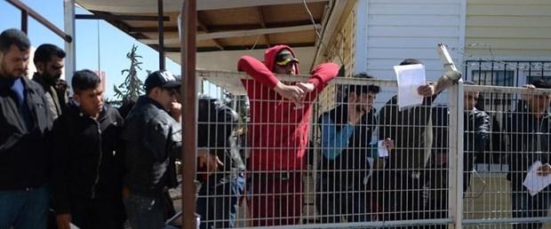 göçmen sınırdışı arşiv.jpg