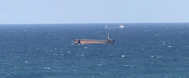 yük gemisi ikiye ayrıldı.jpg