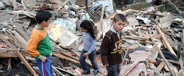 Seçimden sonra gecekonduları yıkıldı