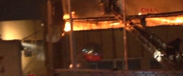 Sefaköy'de tekstil fabrikasında yangın