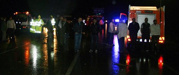 Sel Türkiye - İran yolunu kapattı