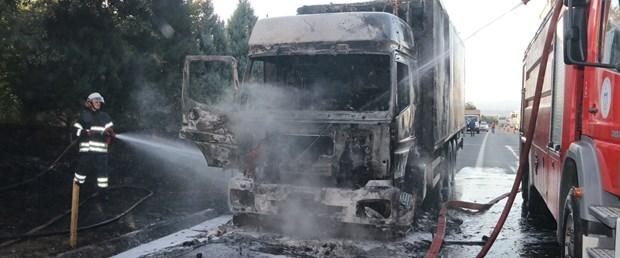 kamyon yandı.jpg
