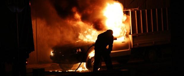 kamyonet-yangın-15-10-02.jpg