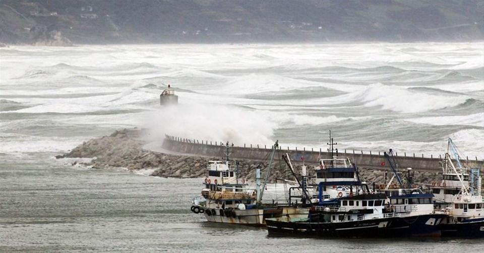 Şile'de kömür yüklü gemi battı