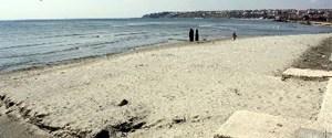 Silivri'de deniz 30 metre çekildi