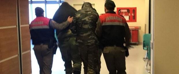 sınırı geçen yunan askerler.jpg