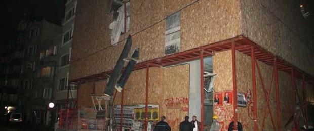 Şişli'de bina çöktü