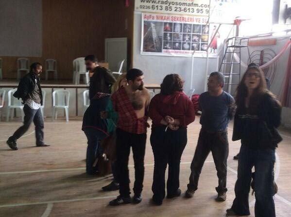 Soma'da avukatlara kelepçeli gözaltı
