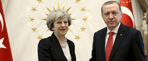 erdogan theresa may telefon görüşme140418.jpg