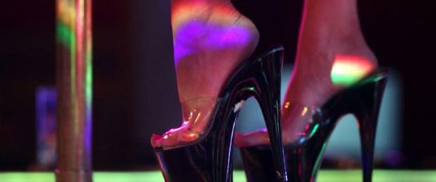 Striptiz kulüpte çalışana okul 'bursu'