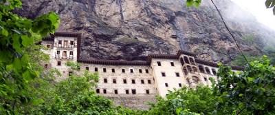Sümela Manastırı'na kaçak kat çıktılar
