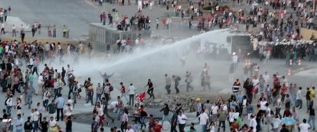 Taksim'de gergin gece