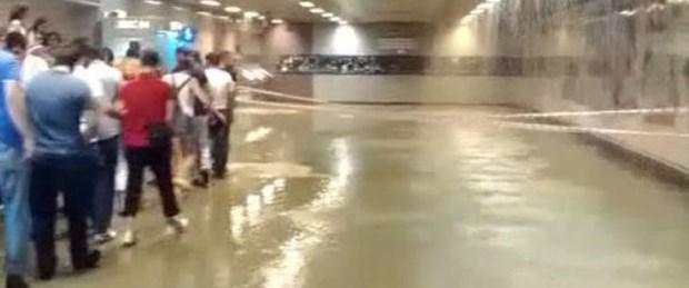 Taksim'i su bastı