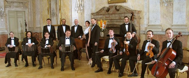 Tango orkestrası Band-O-Neon CRR'de