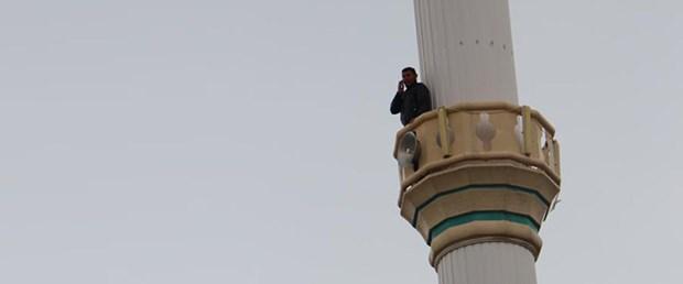 minare-genç-telefon.jpg