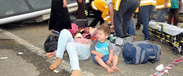 TEM otoyolunda kaza: 18 yaralı